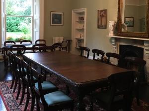 38Clone-diningroom02